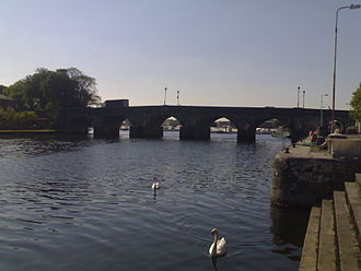 Carrick-on-Shannon - The River Shannon at Carrick-on-Shannon