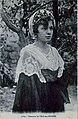 Costume traditionnel de l'Île-aux-Moines (femme).jpg