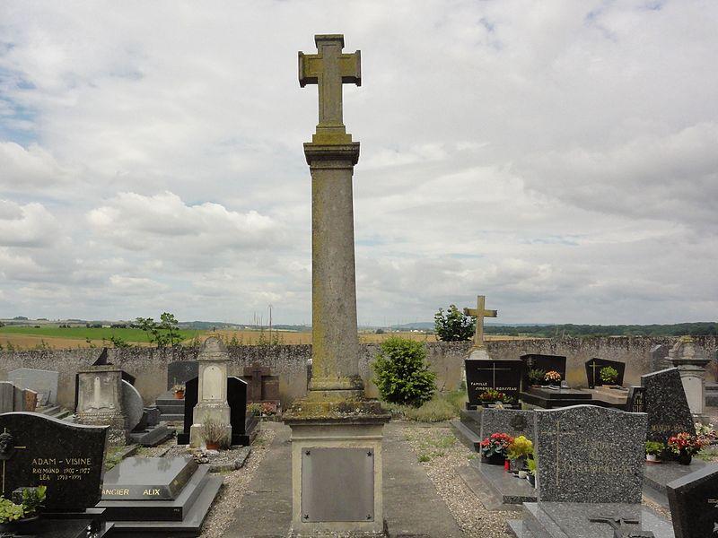 Courbesseaux (M-et-M) cimetière communal, croix