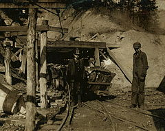 Cross Mountain Mine 1917.jpg