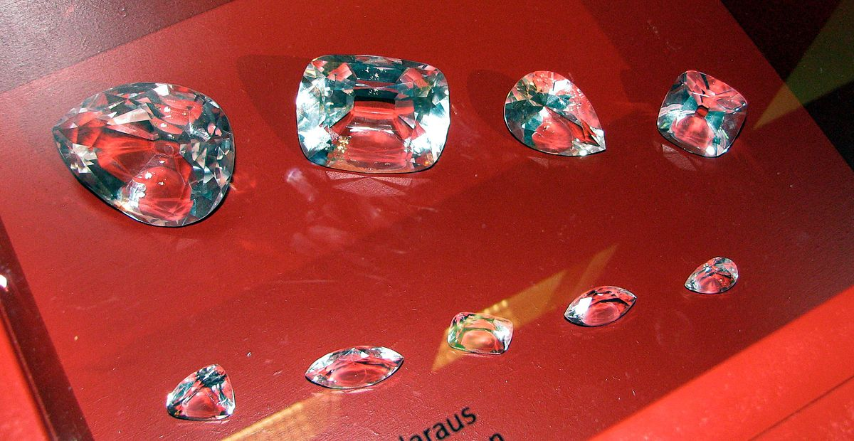 Cullinan Diamond and some of its cuts - copy.jpg