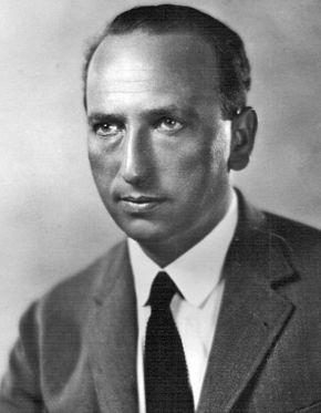 Michael Curtiz won for directing Casablanca. Curtiz 1928 portrait.jpg