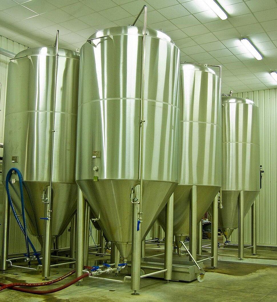 Cuves de fermentations.jpg