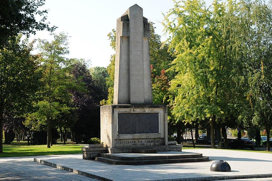 Memorial Gestuerwen fir d'Hémecht, 1940-1945, route de Mondorf, in  Bettembourg.