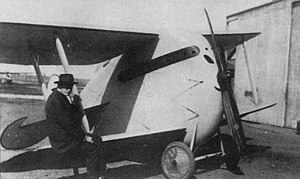 300px-DFW_T.28_Floh_WW1_fighter_1.jpg