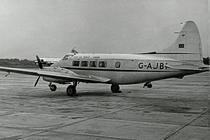 DH.104 Dove 1B G-AJBI Olley RWY 09.07.54 edited-2.jpg
