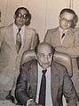 Deputado Jose Pereira da Silva ao lado do governador Tancredo Neves, juntamente com um dos vice lideres do governo.jpg