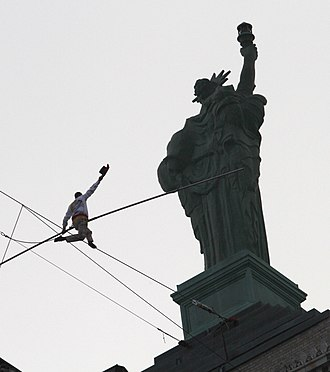 Liberty Building (Buffalo, New York) - Didier Pasquette's tightrope walk