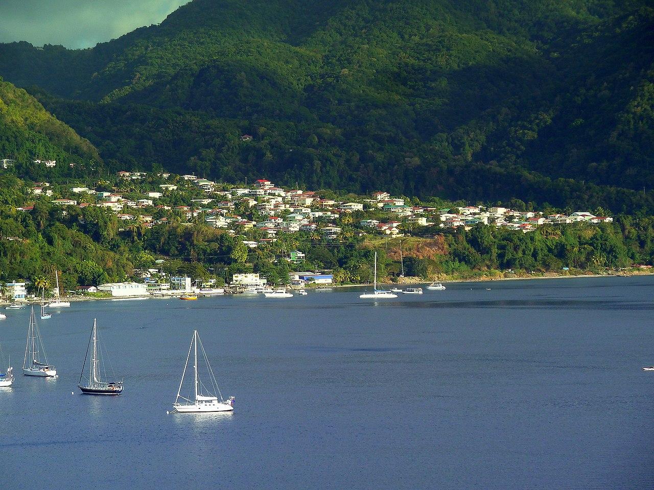 Dominica, Karibik - Roseau - Charlotteville - panoramio.jpg