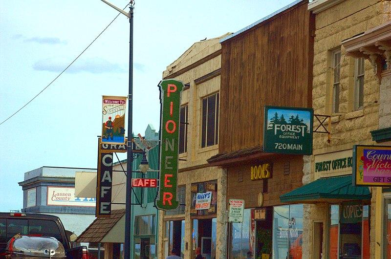 File:Downtown Susanville 1.jpg