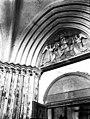 Eglise - Portail, chapiteaux et tympan - Lizines - Médiathèque de l'architecture et du patrimoine - APMH00031611.jpg