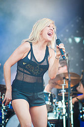 Ellie Goulding nel 2014, in concerto allo Ilosaarirock Festival di Joensuu.