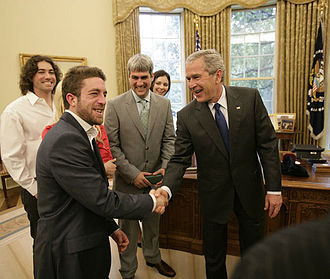 Elliott Yamin - Former President George W. Bush welcomes Yamin in the Oval Office at the White House on Friday, July 28, 2006, along with Yamin's fellow performers, from left to right, Ace Young, Kellie Pickler, American Idol winner Taylor Hicks and runner-up Katharine McPhee.