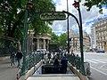 Entrée Station Métro Monceau Paris 6.jpg