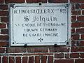 Esquelbecq.- Plaque dédiée à St Folquin .jpg
