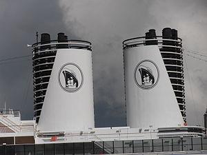 Eurodam Funnel Tallinn 1 August 2012.JPG