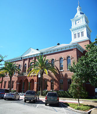 Nassau County Courthouse (Florida) - Image: Fernandina Beach FL crths sq pano 01