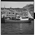 Fiskebåten Perlon ved kai i Måløy.jpg