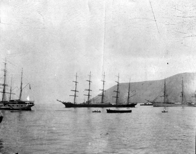 File:Five-masted bark POTOSI at anchor, Washington, ca 1900 (HESTER 631).jpeg