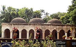 Forntal view of Sheikpur Jami Mosque.jpg