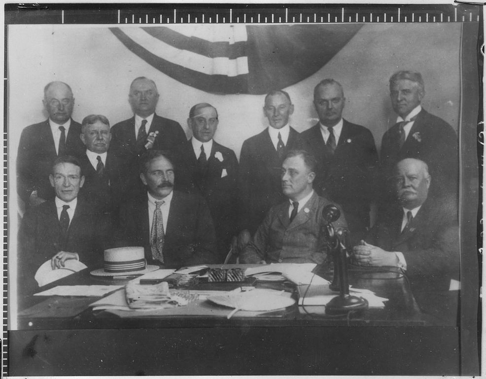 an analysis of the new deal in america during president franklin roosevelts tenure Fdr's new deal summary & analysis back next  new deal for a depression that's getting old shortly after taking office in 1932, roosevelt announced the 3 rs of the new deal program to the american people—it was a package deal of relief, recovery, and reform.
