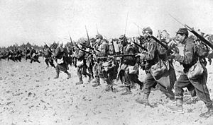 Sword bayonet - A photograph showing a French bayonet charge taken during the Great War. Note the long needle-like épée bayonet, for the French Lebel Model 1886 rifle.