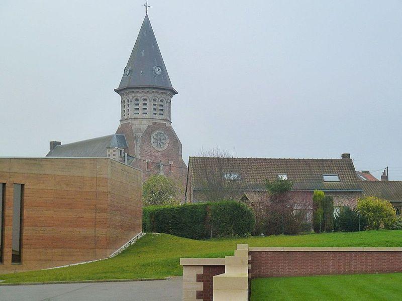 Eglise Saint Jean Baptiste Fromelles    Nord (département français).