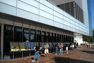 Newseum - Each day's newspaper front pages from around the world are put on display outside the Newseum.