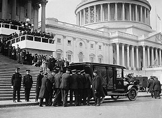 67th United States Congress - Funeral of former Speaker of the House, Champ Clark, March 5, 1921, in front of the United States Capitol.