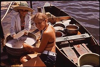 Dishwashing - Washing dishes at Lake Pontchartrain, Louisiana, 1972