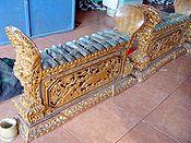Seperangkat gamelan Bali.