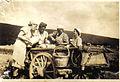 Getreideernte in Fischbach, Kaffeepause, 1941.jpg