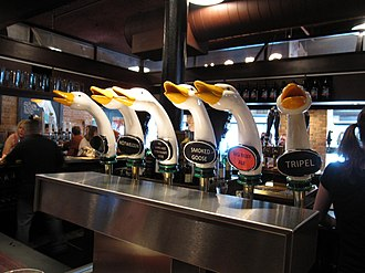 Goose Island Brewery - Beers on tap at the pub