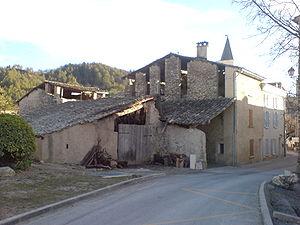 Le Chaffaut-Saint-Jurson - A barn in the village of Le Chaffaut-Saint-Jurson