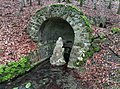 Grotte mit Quellgöttin - panoramio.jpg