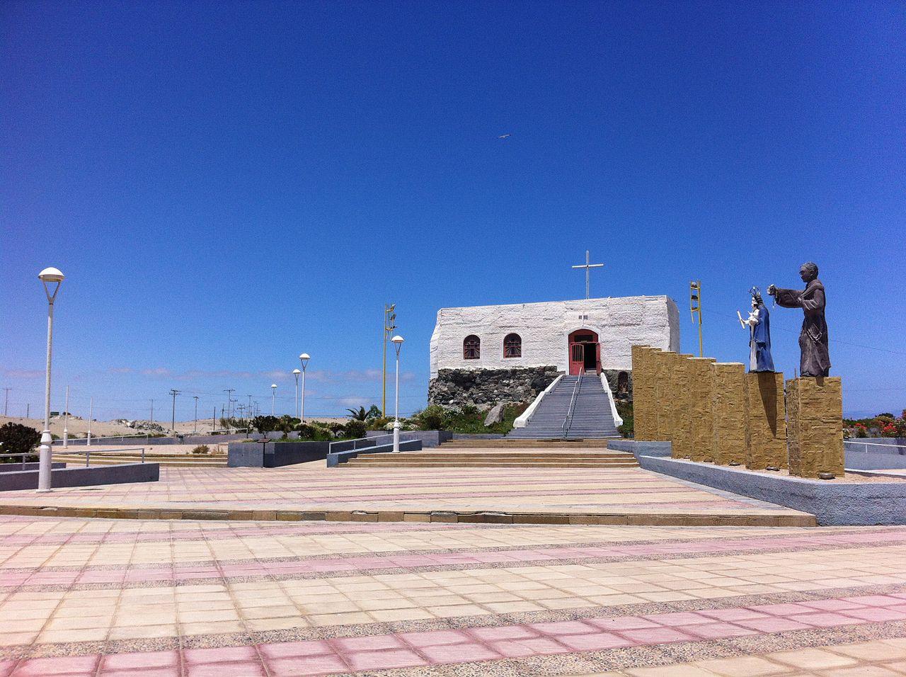 Bahía Inglesa (Caldera, Copiapó) 1280px Gruta del Padre Negro 2C Caldera 2C Chile