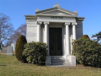 Herter Brothers - The mausoleum of Gustav Herter