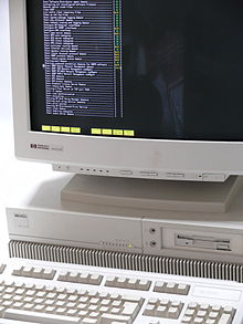 HP-HP9000-715-100-Workstation 03.jpg