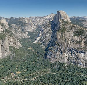 Half Dome und Yosemite Valley vom Glacier Point