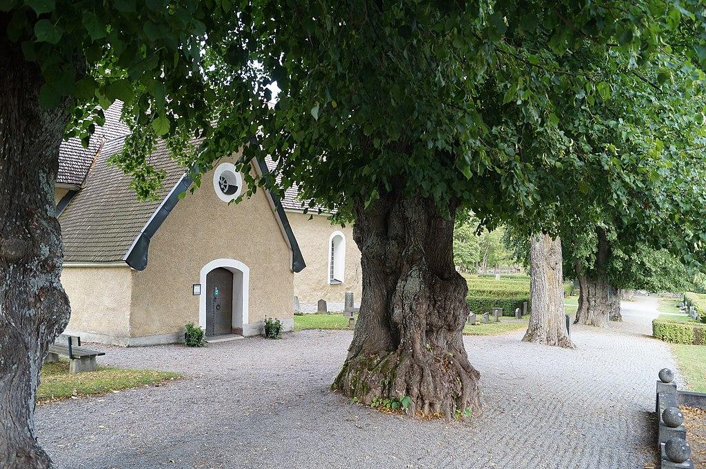 Hammarby kyrka 2015 05.JPG
