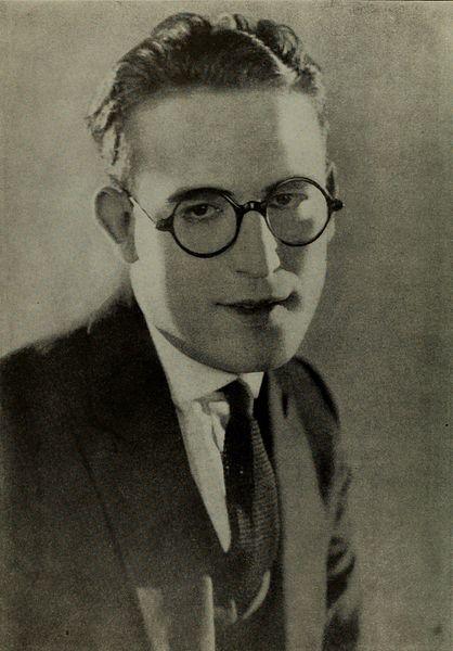 File:Harold Lloyd - Aug 1922 Photoplay.jpg