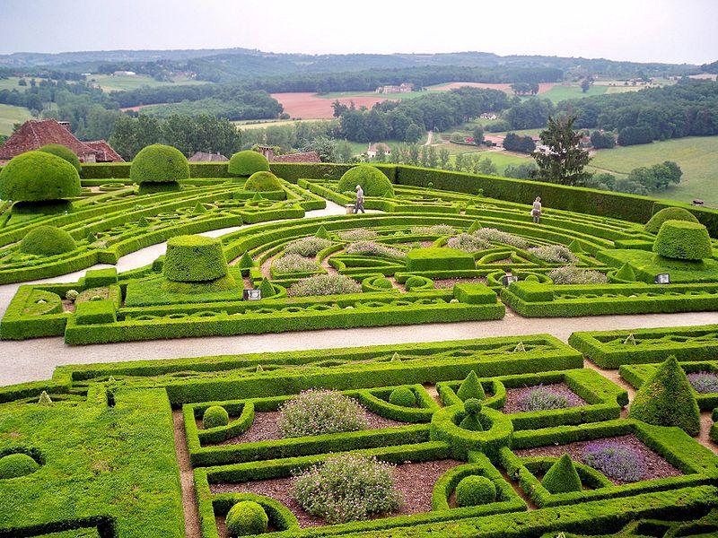 jardin du chateau de hautefort