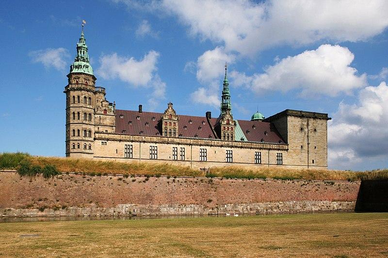Archivo: Helsingor Kronborg.jpg