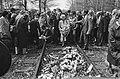 Herdenking bevrijding voormalig kamp Westerbork 40 jaar geleden bloemen leggen, Bestanddeelnr 933-3002.jpg