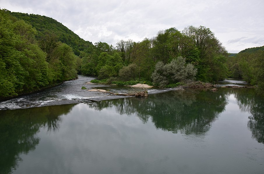 High waterlevels in the Loueriver near Montgesoye in springtime at 10 May 2014 gives good panoramas