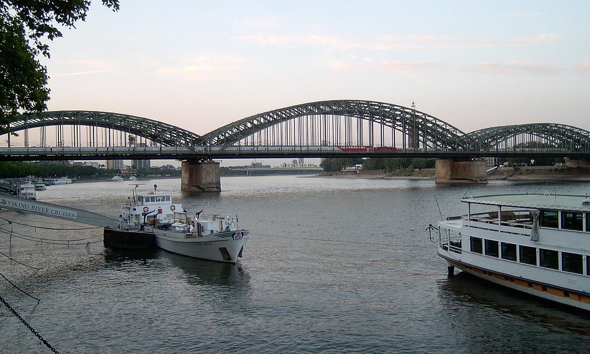 catenary bridge - Wiktionary