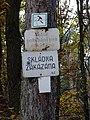 Hostivařský les, značky směrem od ulice U přehrady.jpg