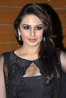 Huma Qureshi at 58th Filmfare Awards.jpg