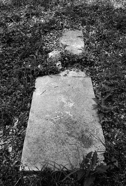 File:Humble Negro Cemetery, Humble, Texas 0508101253BW (4591666399).jpg