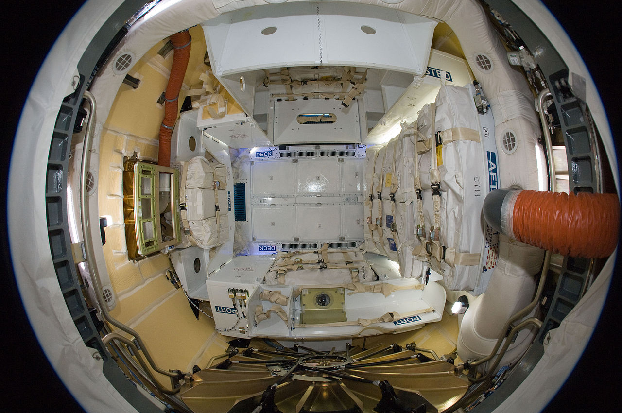 File:ISS-31 SpaceX Dragon commercial cargo craft - inside ...